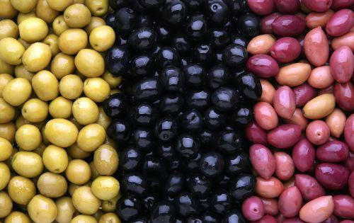 vertes_noires_violettes_olives