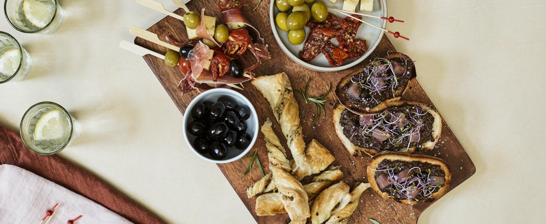 Tapas méditerranéennes et sa tapenade d'olives noires