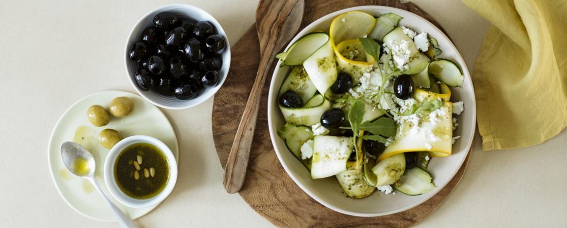 Salade « folle » de courgettes et d'olives