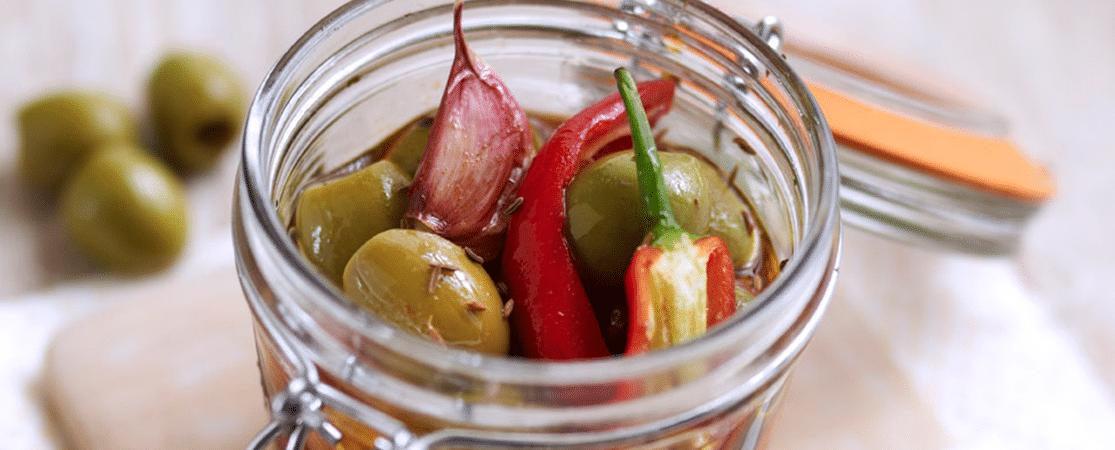 Olives vertes au paprika, cumin, piment rouge et ail